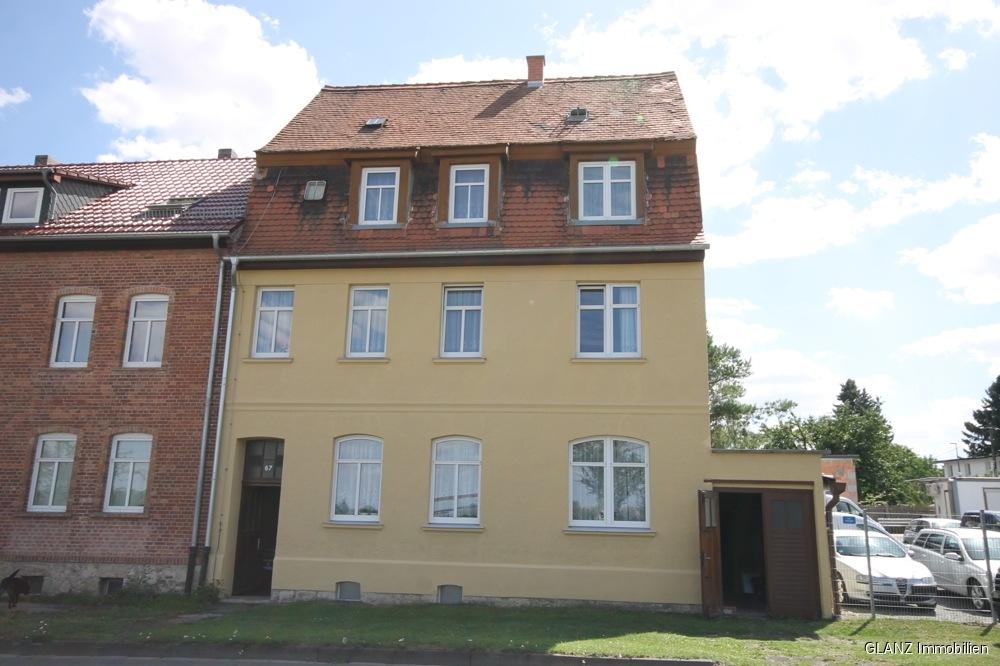 VERKAUFT-Mehrfamilienhaus mit Ausbaureserve in Apolda!